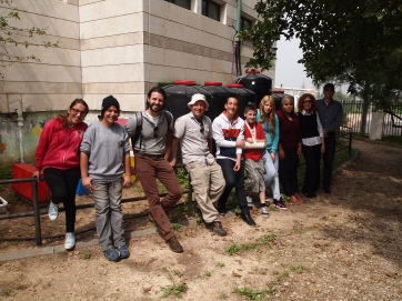 Students and HAW partners on field trip